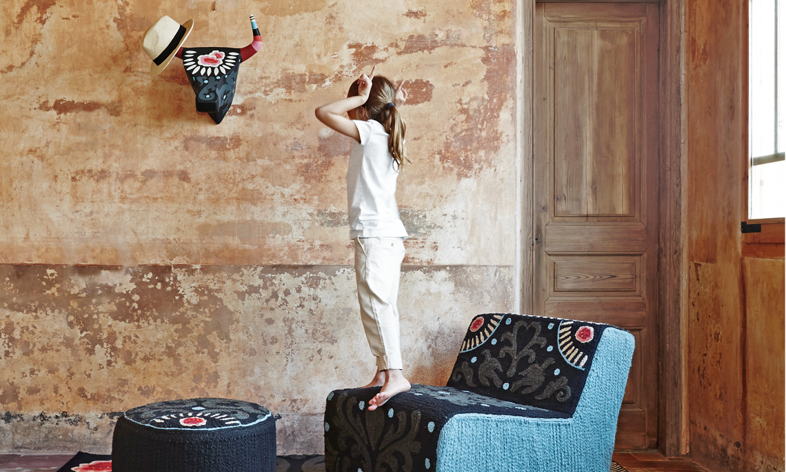 alfombras y butaca goyesca Gan Mallorca
