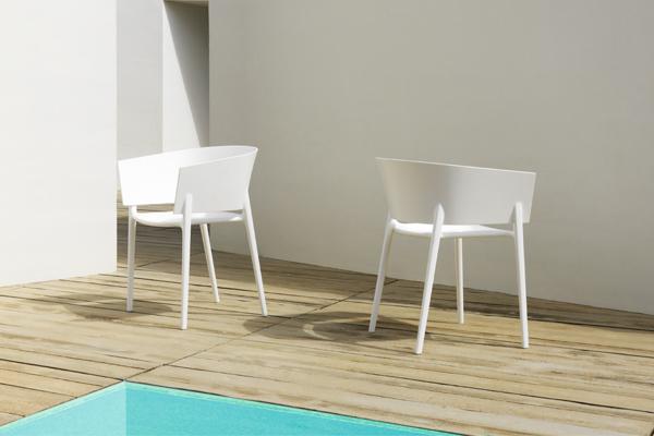 sillas terraza piscina vondom mallorca