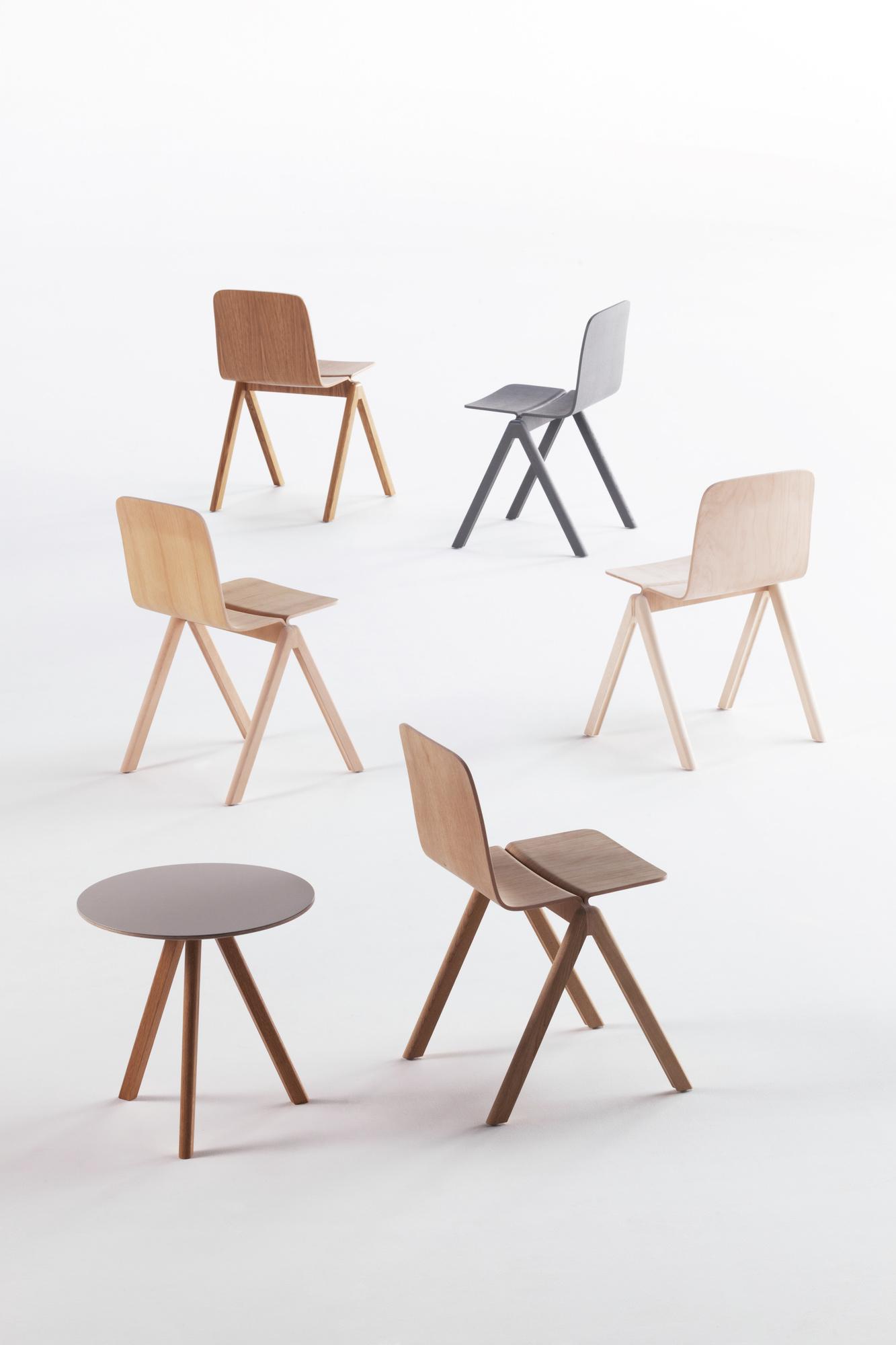 sillas y mesita hay muebles mallorca