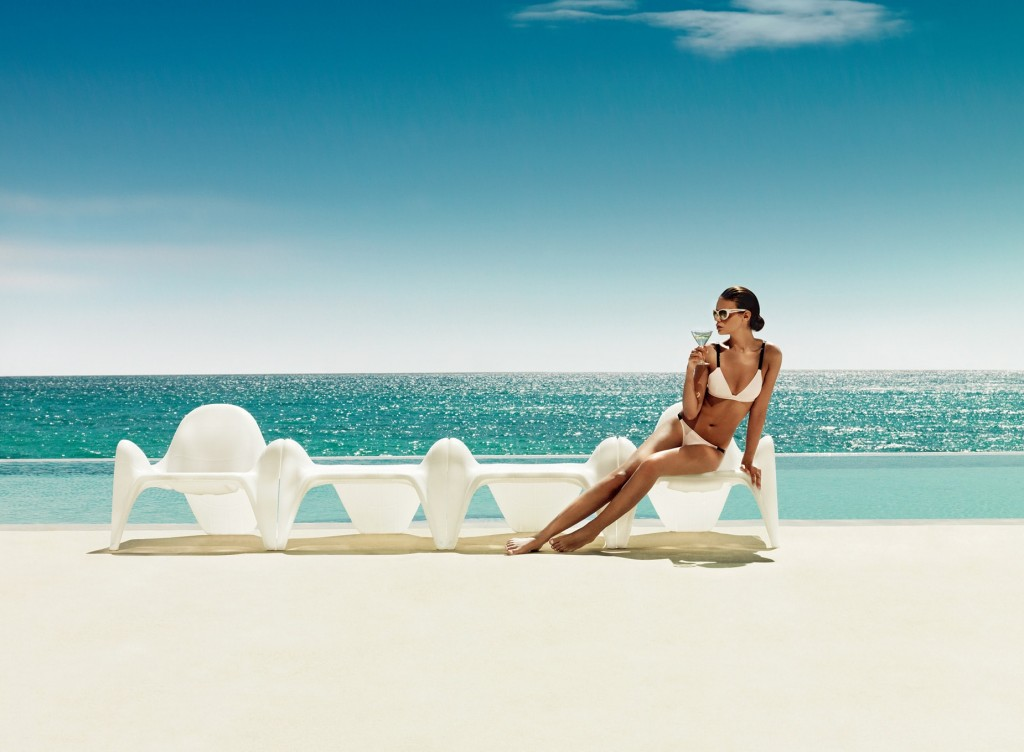 sofas piscina playa vodom mallorca